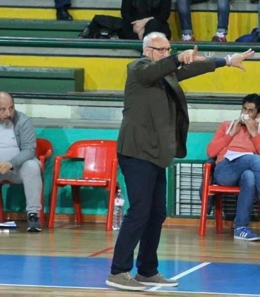 https://www.basketmarche.it/immagini_articoli/25-07-2020/ufficiale-vincenzo-romano-sambenedettese-basket-consulente-tecnico-600.jpg