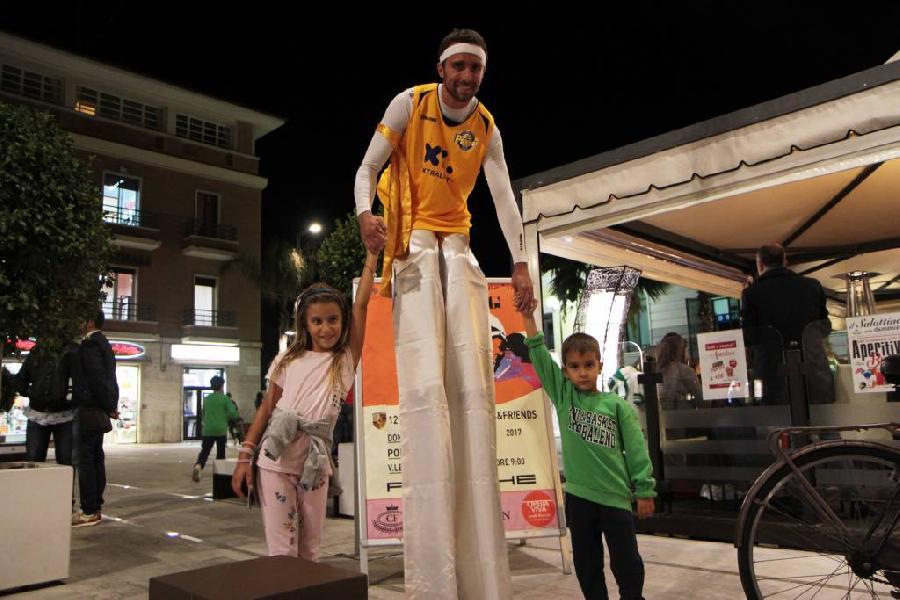 https://www.basketmarche.it/immagini_articoli/25-09-2018/poderosa-montegranaro-incontra-citt-porto-giorgio-poderosa-happy-hour-600.jpg