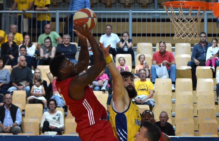 https://www.basketmarche.it/immagini_articoli/25-09-2019/pallacanestro-trieste-dequan-jones-salta-esordio-venezia-problemi-tesseramento-600.jpg