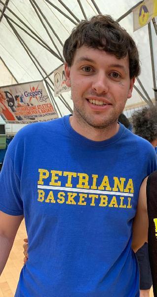 https://www.basketmarche.it/immagini_articoli/25-09-2020/basket-gualdo-lungo-lorenzo-scappini-primo-rinforzo-squadra-promozione-600.jpg