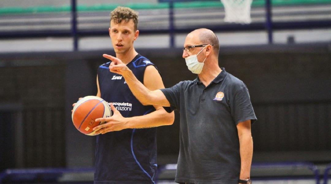 https://www.basketmarche.it/immagini_articoli/25-09-2020/latina-basket-stella-azzurra-roma-primo-impegno-stagionale-600.jpg