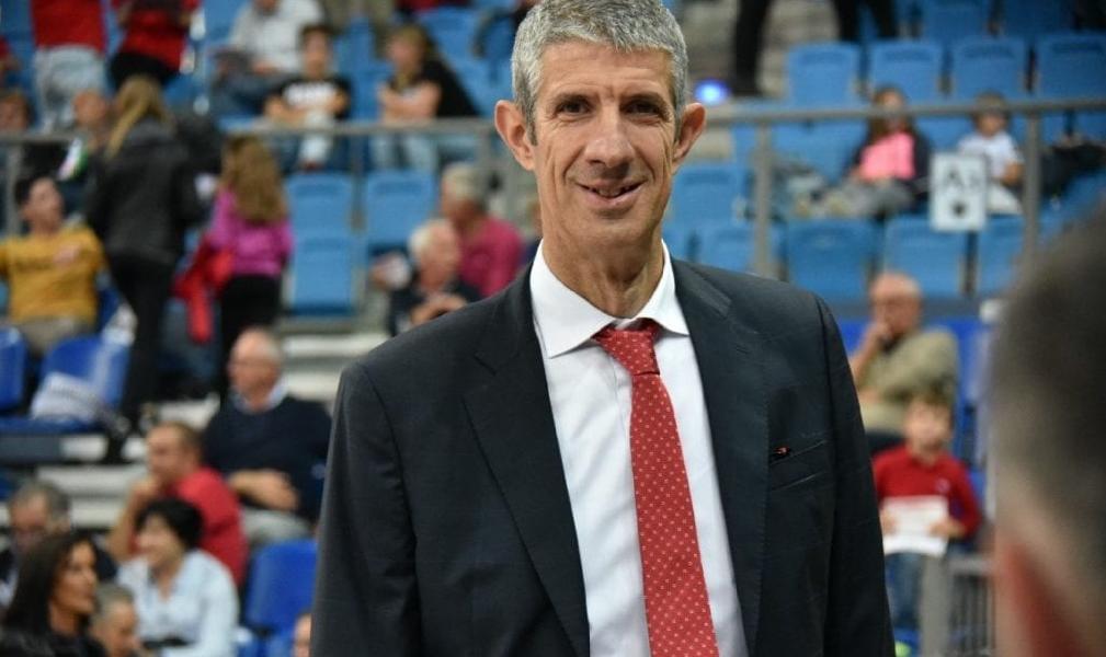 https://www.basketmarche.it/immagini_articoli/25-09-2020/pesaro-ario-costa-squadra-allenando-molto-bene-saremo-pronti-sfida-sassari-600.jpg