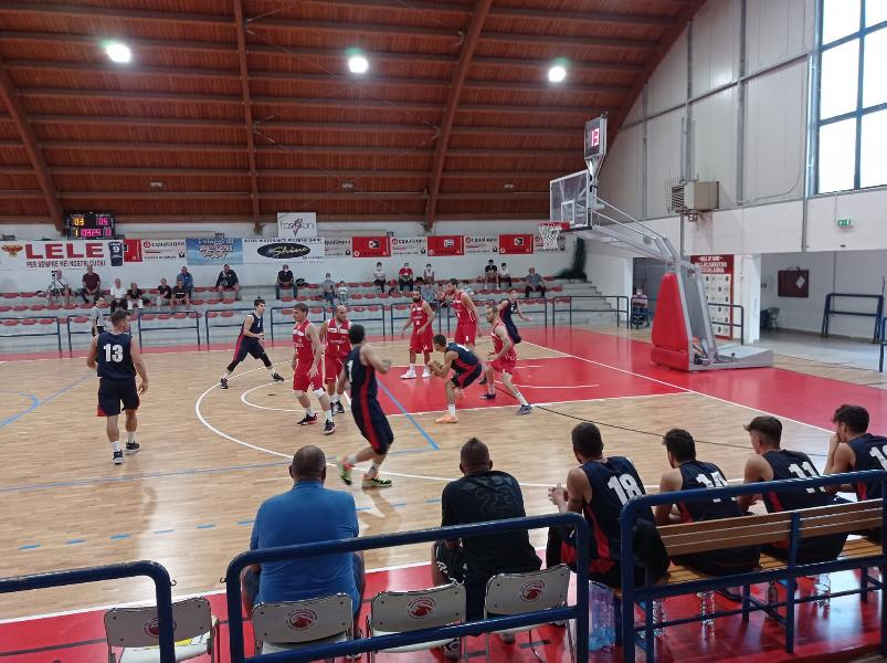 https://www.basketmarche.it/immagini_articoli/25-09-2021/coppa-centenario-pallacanestro-acqualagna-derby-pallacanestro-urbania-600.jpg
