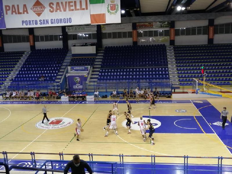 https://www.basketmarche.it/immagini_articoli/25-09-2021/coppa-centenario-pallacanestro-recanati-espugna-campo-chem-virtus-psgiorgio-600.jpg