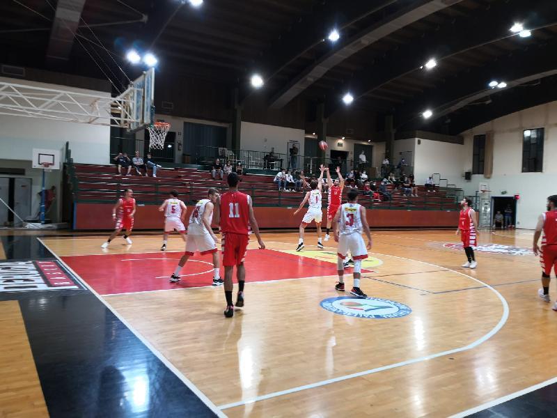 https://www.basketmarche.it/immagini_articoli/25-09-2021/coppa-centenario-perugia-basket-doma-finale-tolentino-basket-600.jpg