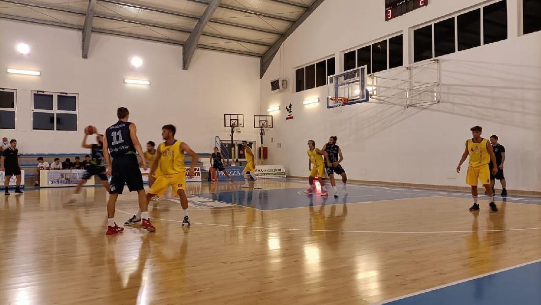 https://www.basketmarche.it/immagini_articoli/25-09-2021/torneo-angeli-lucky-wind-foligno-batte-olimpia-mosciano-finale-600.jpg