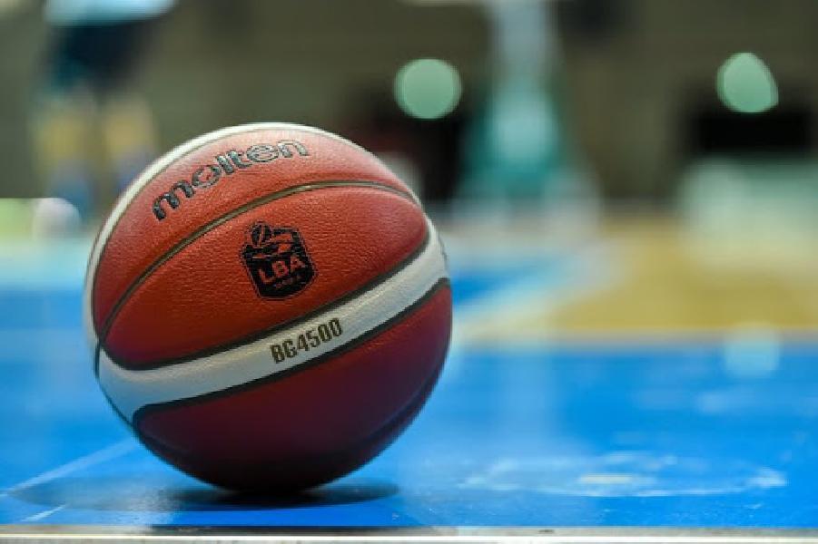 https://www.basketmarche.it/immagini_articoli/25-10-2020/ufficiale-rinviata-sfida-pallacanestro-cant-treviso-basket-600.jpg