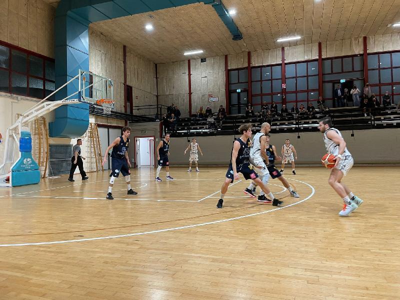 https://www.basketmarche.it/immagini_articoli/25-10-2021/pallacanestro-recanati-coach-padovano-abbiamo-eseguito-piano-partita-siamo-stati-presuntuosi-600.jpg