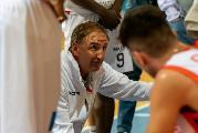 https://www.basketmarche.it/immagini_articoli/25-10-2021/unibasket-lanciano-coach-tommaso-rispettato-pieno-piano-partita-vittoria-entusiasmo-morale-120.jpg