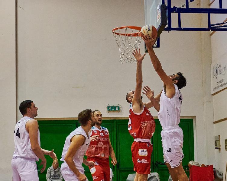 https://www.basketmarche.it/immagini_articoli/25-10-2021/virtus-civitanova-altra-prestazione-dimenticare-rinascita-basket-rimini-600.jpg