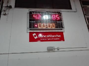 https://www.basketmarche.it/immagini_articoli/25-11-2017/d-regionale-netta-vittoria-della-pallacanestro-acqualagna-sul-campo-dei-titans-jesi-270.jpg