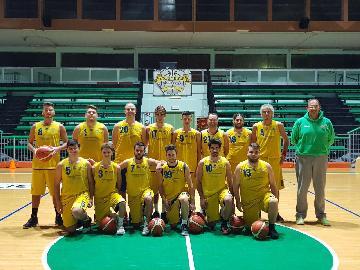 https://www.basketmarche.it/immagini_articoli/25-11-2017/promozione-a-il-nuovo-basket-fossombrone-espugna-il-campo-dei-fermignano-warriors-270.jpg