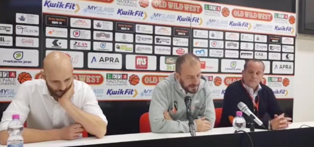 https://www.basketmarche.it/immagini_articoli/25-11-2018/post-partita-jesi-udine-parole-conferenza-stampa-coach-cagnazzo-coach-cavina-600.png