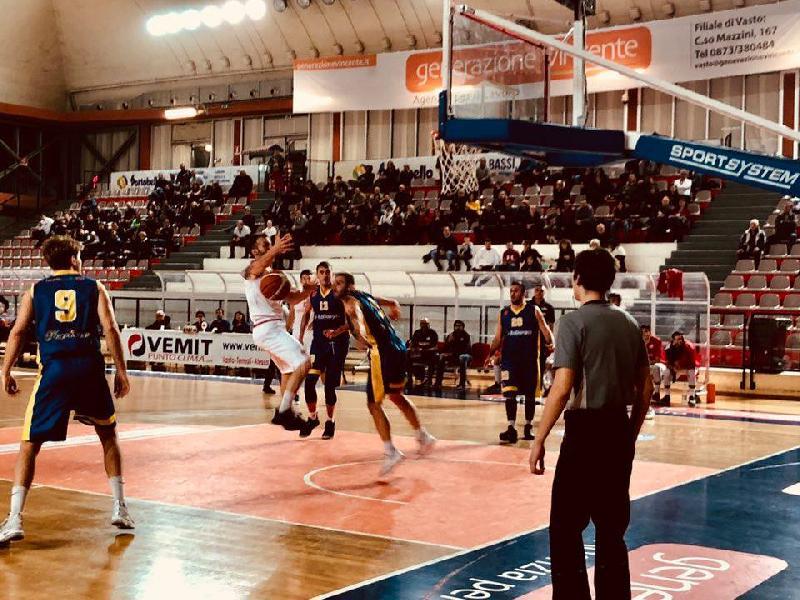 https://www.basketmarche.it/immagini_articoli/25-11-2018/serie-silver-live-girone-abruzzo-marche-risultati-domenica-tempo-reale-600.jpg