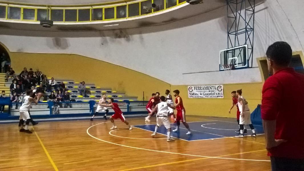 https://www.basketmarche.it/immagini_articoli/25-11-2018/spello-imbattuta-seguono-ellera-gubbio-tanto-equilibrio-tutto-nona-giornata-600.jpg