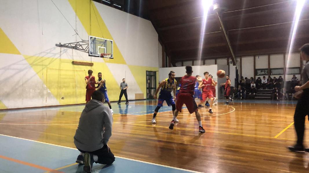 https://www.basketmarche.it/immagini_articoli/26-01-2019/basket-fermo-espugna-campo-boys-fabriano-600.jpg