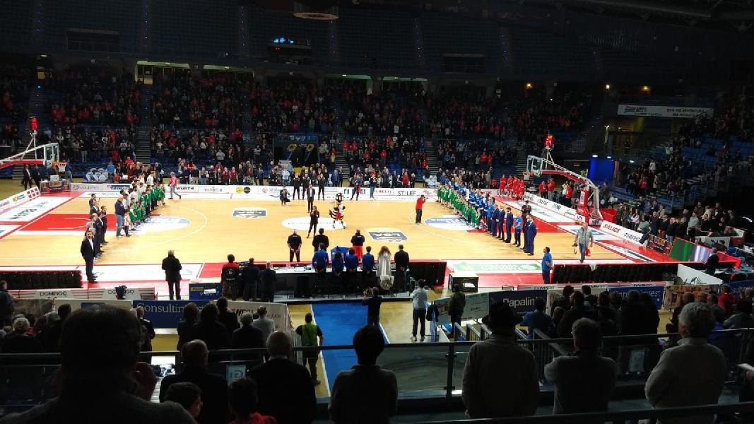 https://www.basketmarche.it/immagini_articoli/26-01-2019/vuelle-pesaro-tris-vitrifrigo-arena-passa-ottima-basket-brindisi-600.jpg