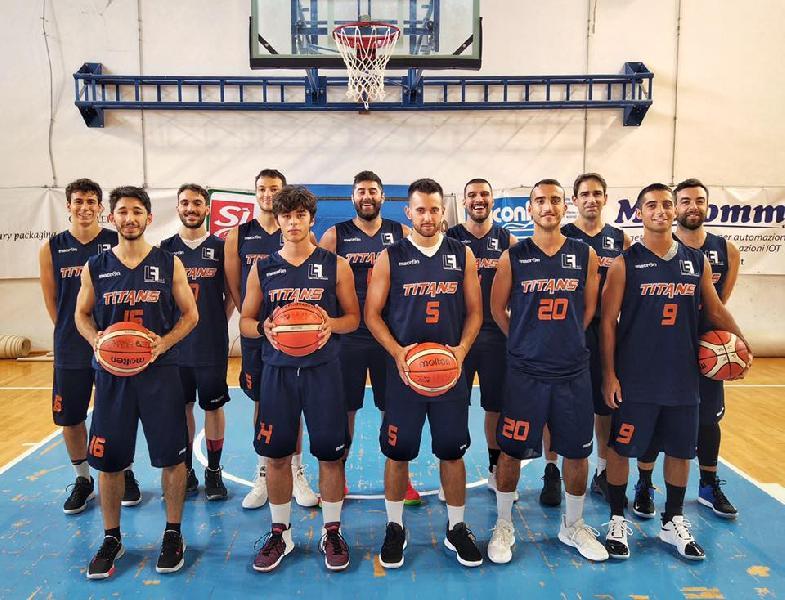 https://www.basketmarche.it/immagini_articoli/26-01-2020/titans-jesi-resistono-rimonta-metauro-basket-academy-conquistano-punti-600.jpg