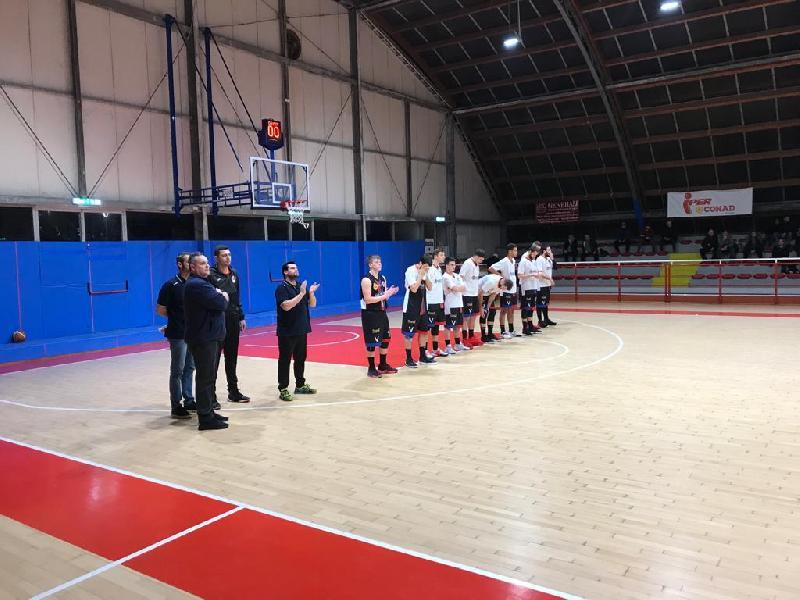 https://www.basketmarche.it/immagini_articoli/26-01-2020/virtus-assisi-rimanda-ancora-appuntamento-vittoria-600.jpg