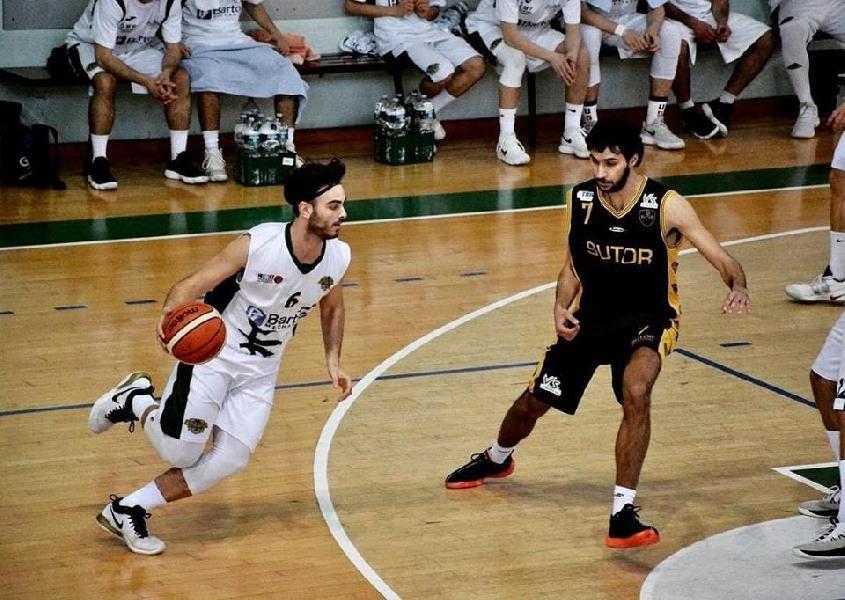 https://www.basketmarche.it/immagini_articoli/26-02-2019/colpo-grosso-basket-durante-urbania-ingaggiata-luca-savelli-600.jpg