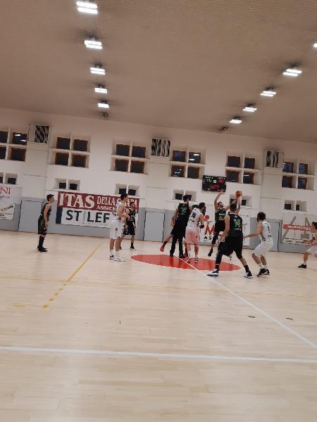 https://www.basketmarche.it/immagini_articoli/26-02-2020/bramante-pesaro-coach-nicolini-chieti-abbiamo-conquistato-risultato-importante-ottima-prova-difensiva-600.jpg