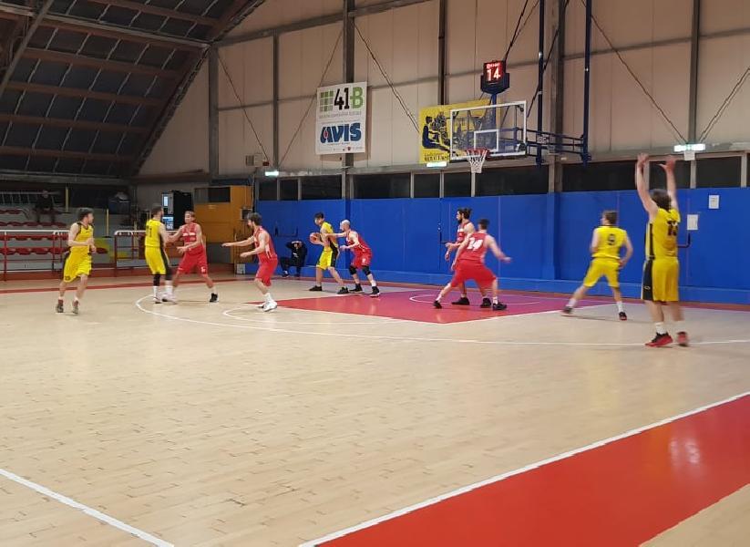 https://www.basketmarche.it/immagini_articoli/26-02-2020/pallacanestro-urbania-coach-curzi-loreto-gara-brutta-felici-aver-vinto-campo-difficile-600.jpg