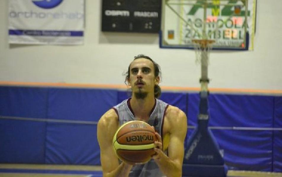 https://www.basketmarche.it/immagini_articoli/26-02-2021/lungo-croato-borna-zivkovic-aggregato-allenamenti-cestistica-civitavecchia-600.jpg