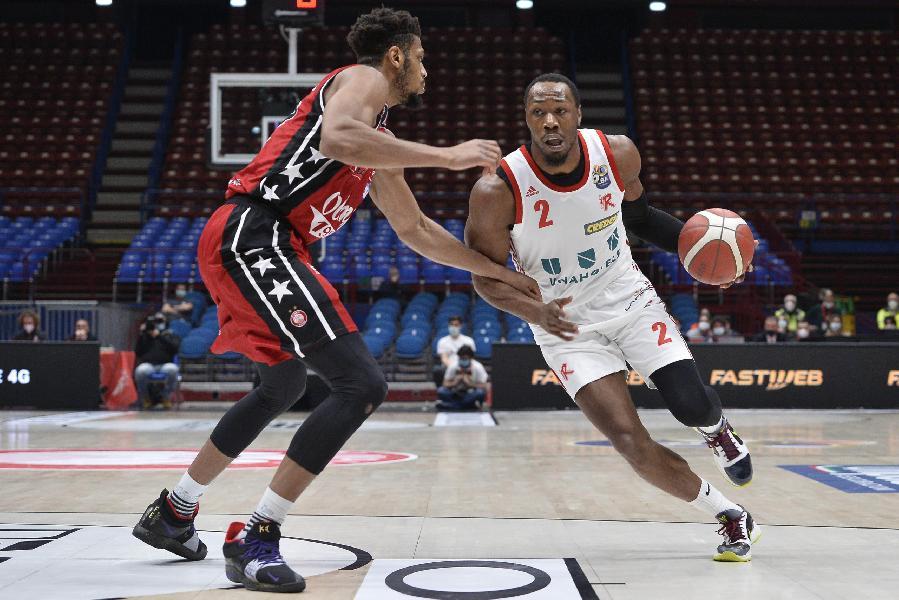 https://www.basketmarche.it/immagini_articoli/26-02-2021/ufficiale-pallacanestro-reggiana-risolve-contratto-dominique-sutton-600.jpg