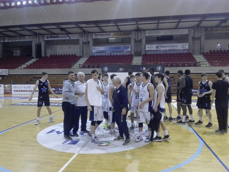 https://www.basketmarche.it/immagini_articoli/26-03-2019/interregionale-aurora-jesi-cade-casa-stella-azzurra-roma-600.jpg