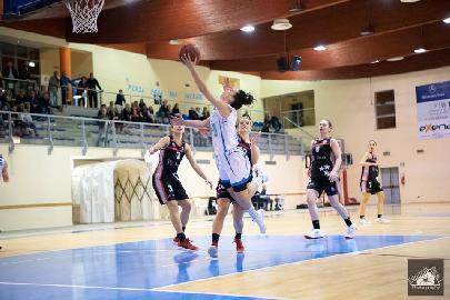 https://www.basketmarche.it/immagini_articoli/26-04-2018/serie-a2-femminile-la-feba-civitanova-chiude-la-regular-season-contro-il-san-raffaele-roma-270.jpg