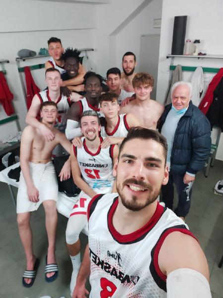 https://www.basketmarche.it/immagini_articoli/26-04-2021/unibasket-lanciano-coach-tommaso-vittoria-meritata-sono-soddisfatto-perch-ognuno-dato-contributo-600.jpg