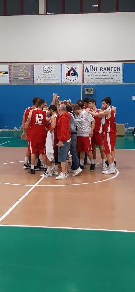 https://www.basketmarche.it/immagini_articoli/26-05-2021/anticipo-ponte-morrovalle-vittoria-battendo-88ers-civitanova-600.jpg