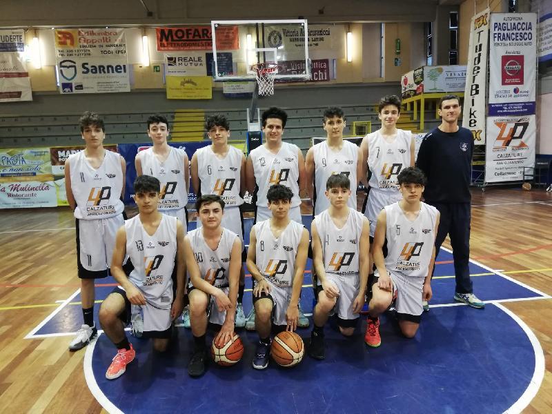 https://www.basketmarche.it/immagini_articoli/26-05-2021/silver-convincente-vittoria-basket-todi-basket-foligno-600.jpg