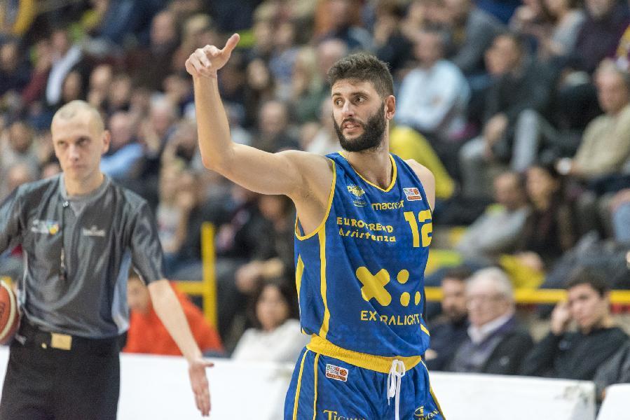 https://www.basketmarche.it/immagini_articoli/26-06-2019/ufficiale-poderosa-montegranaro-conferma-matteo-palermo-600.jpg