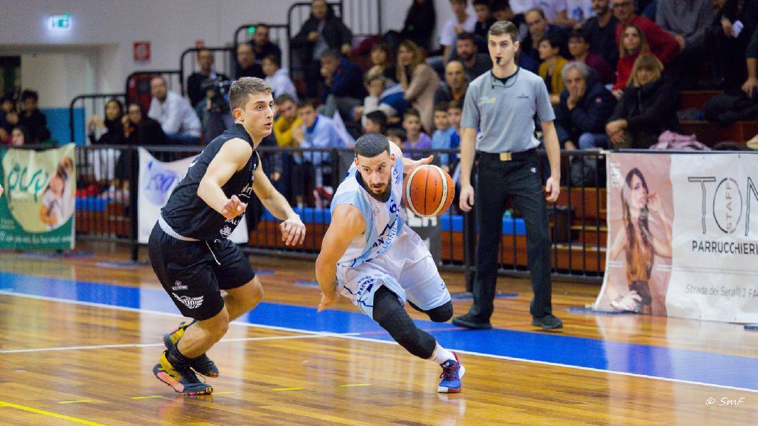 https://www.basketmarche.it/immagini_articoli/26-06-2020/pallacanestro-titano-marino-ufficiale-conferma-davide-macina-600.jpg