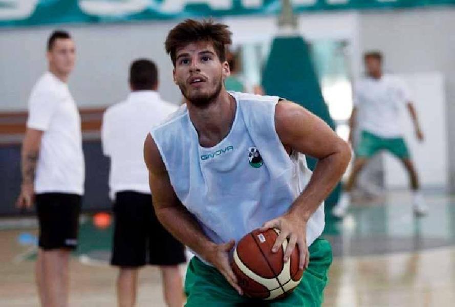 https://www.basketmarche.it/immagini_articoli/26-06-2020/ufficiale-lungo-leonardo-marini-giocatore-tigers-cesena-600.jpg
