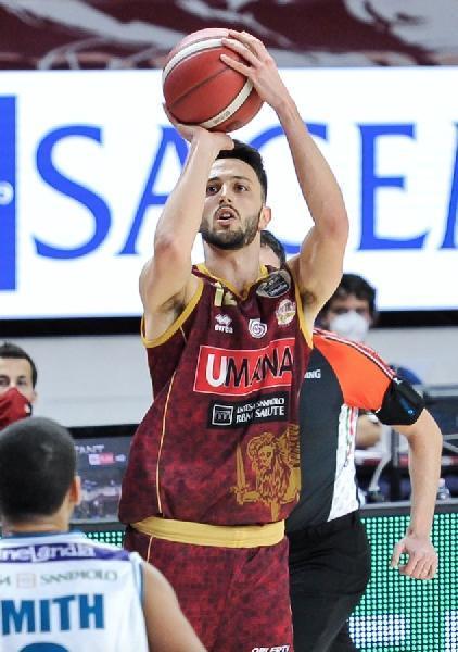 https://www.basketmarche.it/immagini_articoli/26-06-2021/ufficiale-luca-campogrande-giocatore-pallacanestro-trieste-600.jpg