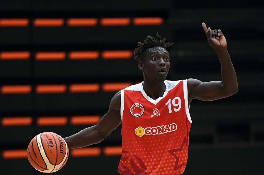 https://www.basketmarche.it/immagini_articoli/26-07-2019/ufficiale-acquisto-unibasket-lanciano-rimini-arriva-constantin-maralassou-dabangdata-600.jpg