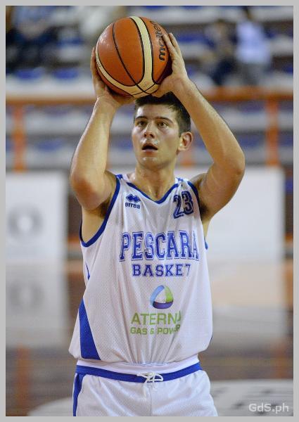 https://www.basketmarche.it/immagini_articoli/26-07-2020/ufficiale-lungo-under-domenico-fasciocco-confermato-pescara-basket-600.jpg