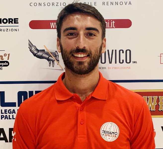 https://www.basketmarche.it/immagini_articoli/26-08-2021/teramo-spicchi-marco-cucco-capitano-600.jpg