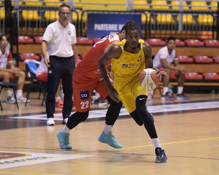 https://www.basketmarche.it/immagini_articoli/26-09-2020/basket-torino-ottima-prestazione-massagno-600.jpg