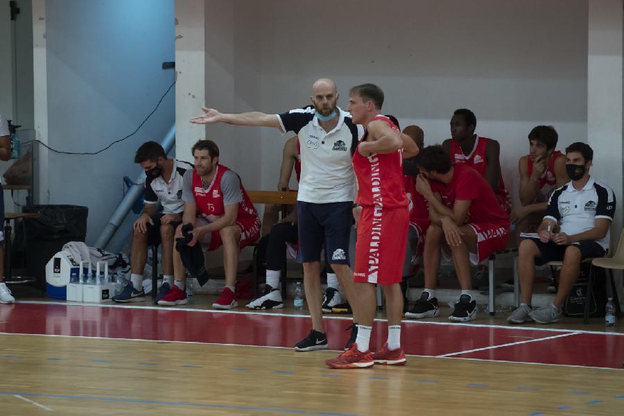 https://www.basketmarche.it/immagini_articoli/26-09-2020/oras-ravenna-buon-test-amichevole-mantova-stings-600.jpg