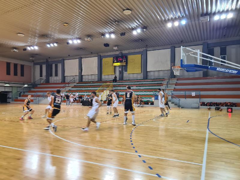 https://www.basketmarche.it/immagini_articoli/26-09-2021/coppa-italia-pisaurum-pesaro-allunga-finale-passa-campo-falconara-basket-600.jpg