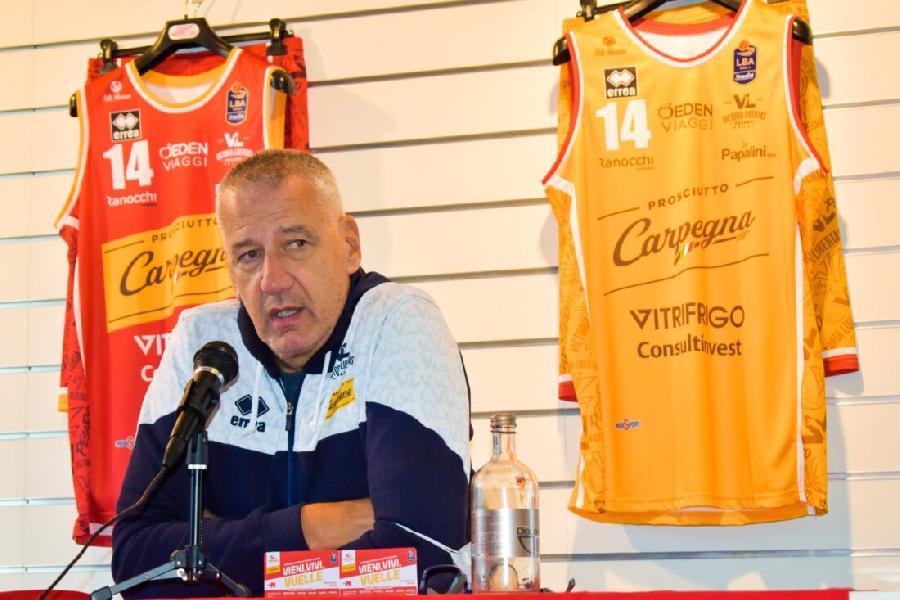 https://www.basketmarche.it/immagini_articoli/26-09-2021/pesaro-coach-petrovic-vogliamo-iniziare-vittoria-necessario-farsi-trovare-pronti-600.jpg