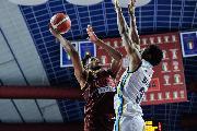 https://www.basketmarche.it/immagini_articoli/26-09-2021/reyer-venezia-parte-piede-giusto-batte-vanoli-cremona-120.jpg