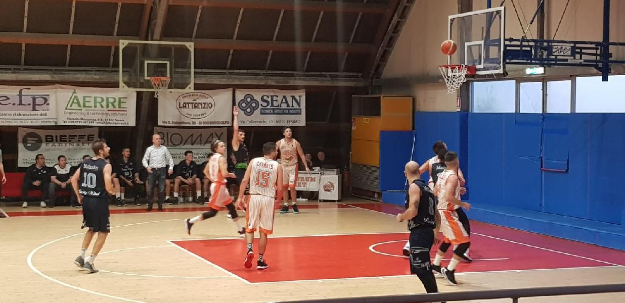 https://www.basketmarche.it/immagini_articoli/26-10-2019/ottimo-pisaurum-pesaro-ferma-corsa-capolista-lucky-wind-foligno-600.jpg