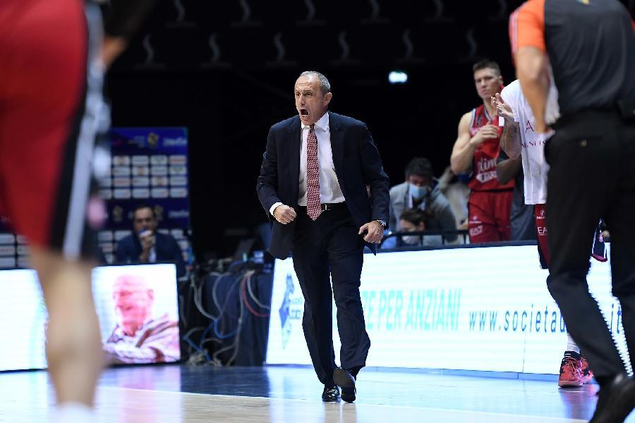 https://www.basketmarche.it/immagini_articoli/26-10-2020/milano-coach-messina-abbiamo-trovato-modo-vincere-nonostante-brutte-tiro-600.jpg
