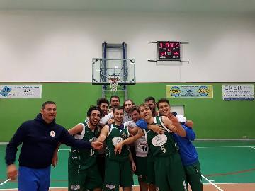 https://www.basketmarche.it/immagini_articoli/26-11-2017/d-regionale-b-il-montemarciano-basket-espugna-in-rimonta-il-campo-dei-fochi-morrovalle-270.jpg