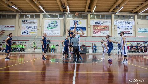 https://www.basketmarche.it/immagini_articoli/26-11-2017/d-regionale-il-marotta-basket-ha-la-meglio-sulla-wispone-taurus-jesi-270.jpg