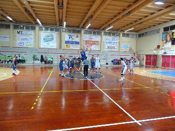 https://www.basketmarche.it/immagini_articoli/26-11-2017/d-regionale-il-marotta-basket-vince-ma-non-convince-contro-la-taurus-jesi-270.jpg